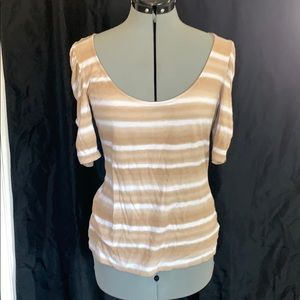 Shirt sleeve shimmery striped top
